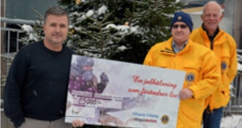 Julhälsningar bidrog med 25 000 kronor till hjälpverksamheten